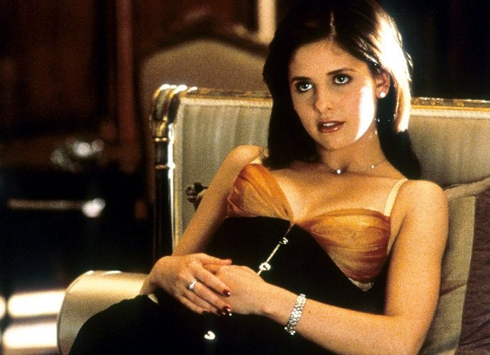 sarah-michelle-gellar-officially-back-for-cruel-intentions-tv-series