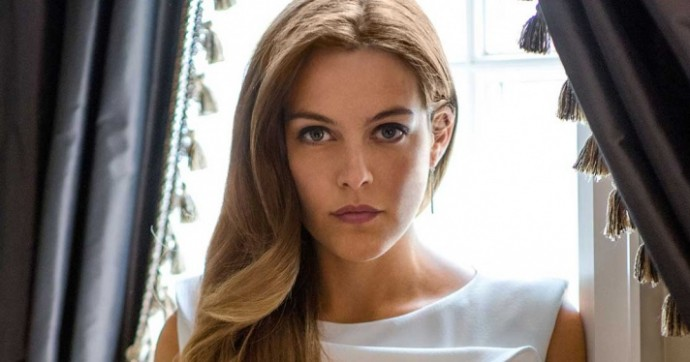 1457523380_The-Girlfriend-Experience-s1-Riley-Keough-2TOP_(1)