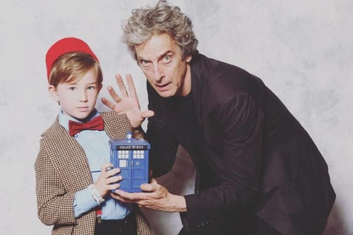 gallery-1466681478-peter-capaldi-with-adorable-child