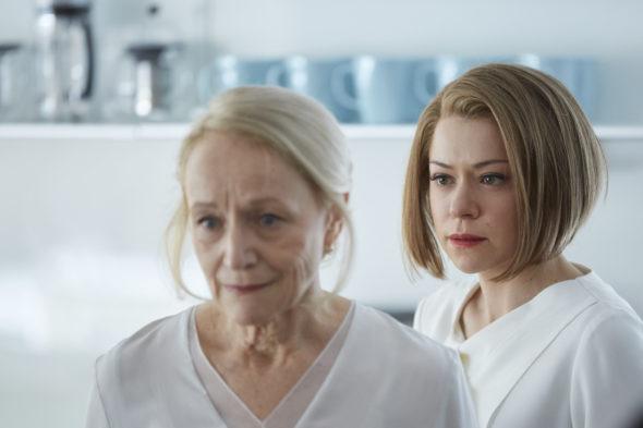 Susan Duncan (ROSEMARY DUNSMORE) and Rachel (TATIANA MASLANY)