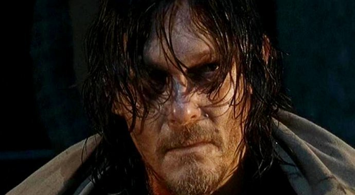 the-walking-dead-star-on-daryl-s-part-in-the-latest-death