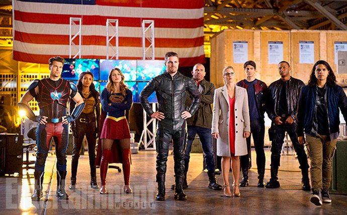 the-flash-introduces-supergirl-to-arrow-and-the-legends-in-first-crossover-promo