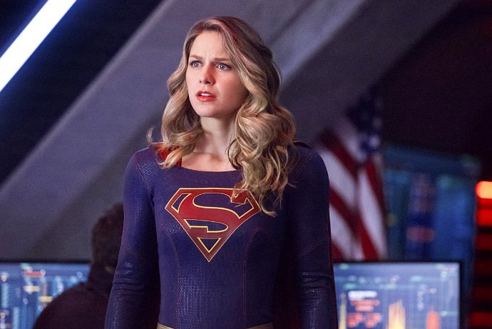 melissa-benoist-s-supergirl-gets-new-costume-in-the-flash-musical-crossover