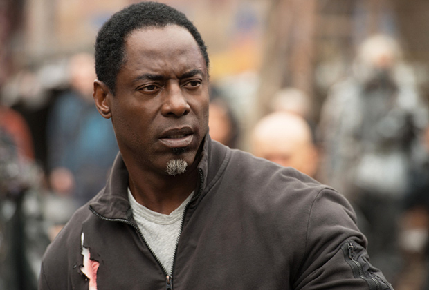 the-100-isaiah-washington-leaving