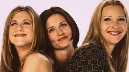 Friends: Courteney Cox celebra su 53 cumpleaños acompañada de Lisa Kudrow y Jennifer Aniston