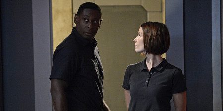 hank-henshaw-played-by-david-harewood-who-was-revealed-to-be-the-martian-manhunter