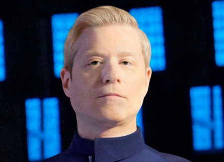 meet-the-first-openly-gay-star-trek-discovery-tv-character