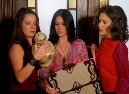 shannen-doherty-alyssa-milano-holly-marie-combs-in-talks-for-charmed-reboot