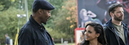 jesse-l-martin-as-detective-joe-west-and-danielle-nicolet-as_6ugy