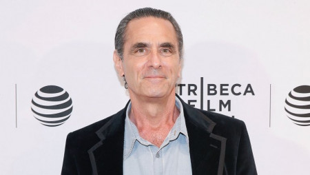 Robin Thomas ficha por Law & Order True Crime: The Menendez Murders
