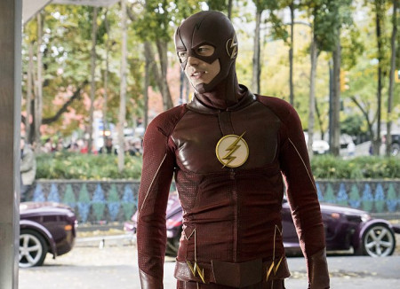 the-flash-get-the-first-look-at-new-season-4-costume