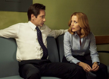 the-x-files-season-11-first-look-reunites-mulder-and-scully-with-twist