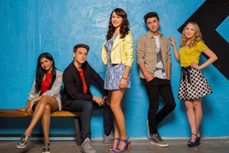 Nickelodeon da luz verde a la comedia Star Falls y renueva  I am Frankie para una segunda temporada