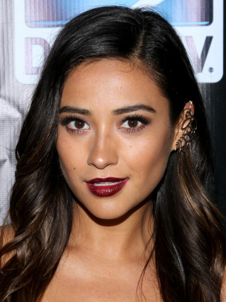 Shay-Mitchell-burgundy