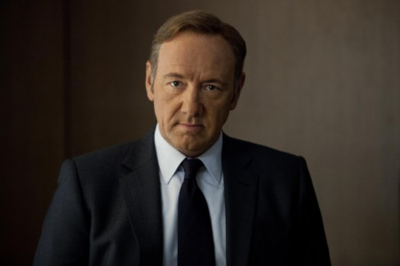 house-of-cards-kevin-spacey-in-un-episodio-della-serie-334493-590x393