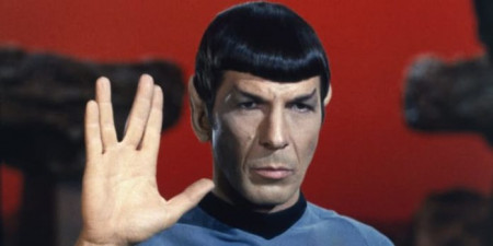 Leonard-Nimoy-as-Spock-696x348