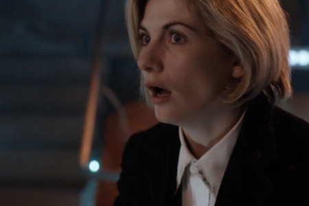 first-jodie-whittaker-doctor-who-scene-696x464