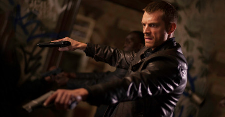 joel-kinnaman-altered-carbon-tv-fb