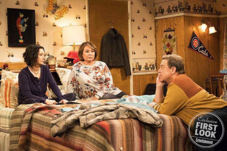 roseanne-dan-and-darlene-reunite-in-the-revived-show-s-first-look