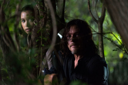 gallery-1512997842-rosita-and-daryl-twd