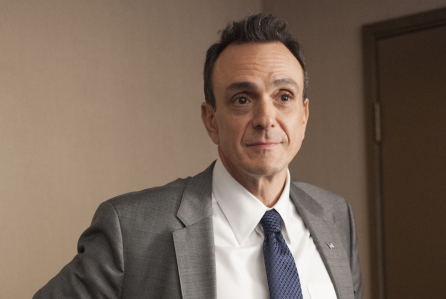Hank Azaria as Ed Cochran in Ray Donovan (Season 2, Episode 3). - Photo:  Suzanne Tenner/SHOWTIME - Photo ID:  RayDonovan_203_0150.R