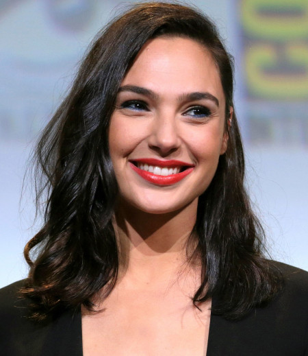 1200px-Gal_Gadot_cropped_lighting_corrected_2b