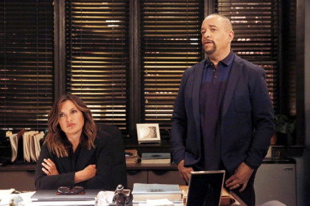 urn-on-law-and-order-svu-set-causes-a-bomb-scare-in-nyc