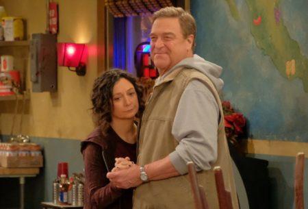"""El reparto de The Conners declara: """"El espíritu de Roseanne Barr todavía está con nosotros"""""""